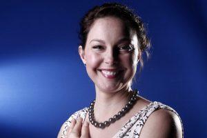 Ashley Judd sorridente