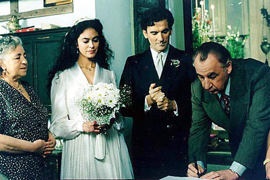 Maria Grazia Cucinotta Massimo Troisi Il postino