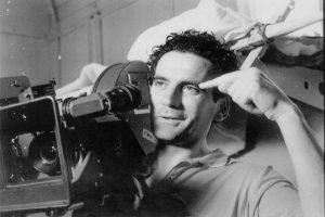 Massimo Troisi: grande attore e regista, morto prematuramente.