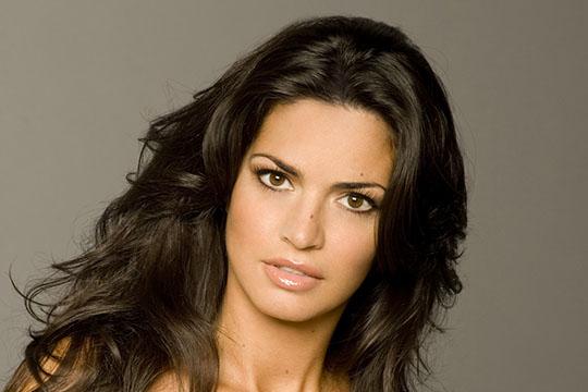 Laura Torrisi - Biogra...