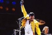 Il biopic su Freddie Mercury: titolo, attore protagonista e sceneggiatore