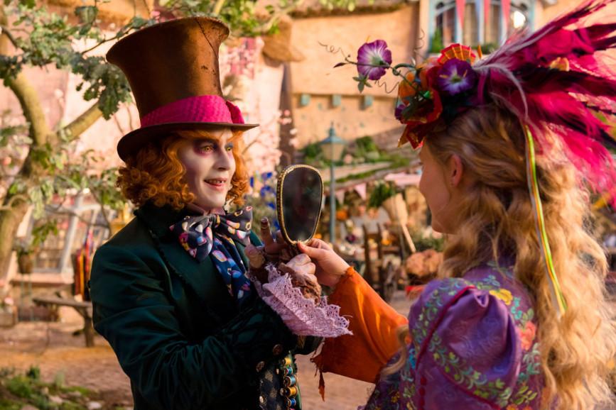 Film cinema, Alice attraverso lo specchio subito in vetta al box office