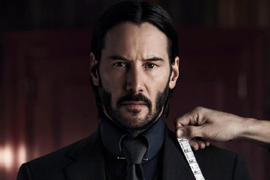 John Wick - Capitolo 2 l'assassino compra un completo in sartoria.